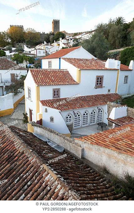 Óbidos, Portugal: The medieval castle of Óbidos overlooking the old village