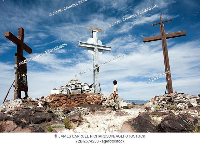 Tome Hill Calvario Three crosses in New Mexico