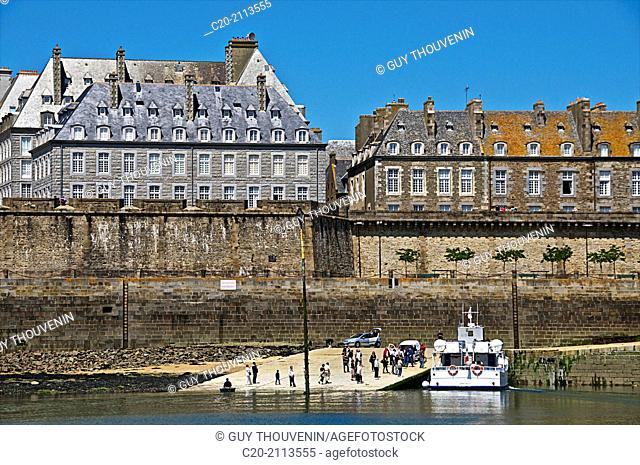 embarkment place with tourist boat, Saint Malo, Ille et Villaine ,35, Brittany, France