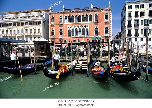 Gondola port  Venice  Veneto, Italy