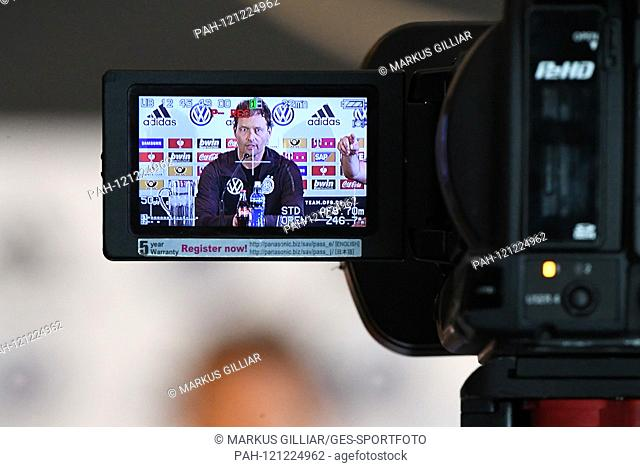 Manager Oliver Bierhoff (Germany), feature, decorative image camera, film camera. GES / football / press conference / PK of the German national football team in...