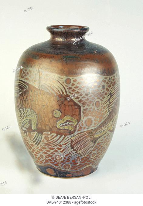 Ceramics - Italy - 20th century. Fish vase. Polychrome lusterware. Galileo Chini, Fornaci San Lorenzo, Mugello, Florence, 1906-19