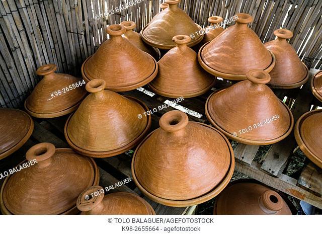 Tajines, cazuela de barro cocido, Tetuan, Morocco, North Africa