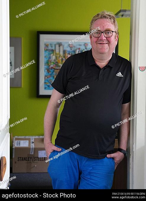 11 June 2021, Hamburg: Lars Meier, managing director of Gute Leude Fabrik and board member of the Hamburg charity MenschHamburg, stands in his office
