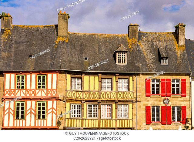 half timbered houses, old town, Treguier, Cotes d'Armor, 22, Brittany, France