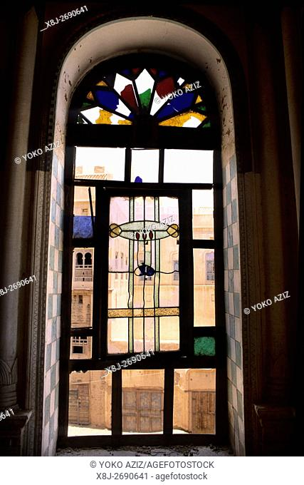 yemen, tarim, Glass door of the Sayyid Umar Palace