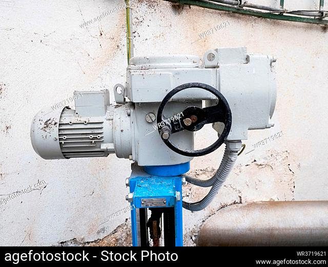 Sludge pipe valve for biogas production. Remote controlled via servo drive. Automatic control of hot sludge in the digestion tank