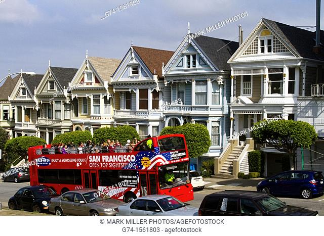 Sightseeing Tours, Victorian Homes on Steiner Street from Alamo Square, San Francisco, California, USA