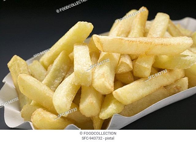 Chips in a paper dish