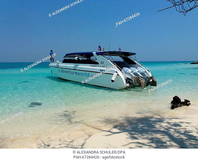 A speedboat is moored at the beach of Bamboo Island,Thailand, 10 March 2016. Photo:ALEXANDRASCHULER/dpa - NO WIRE SERVICE - | usage worldwide
