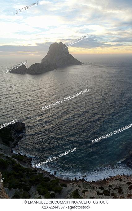 Sunset, Es Vedrà and Vedranell, Ibiza, Balearic Islands, Spain, Mediterranean, Europe