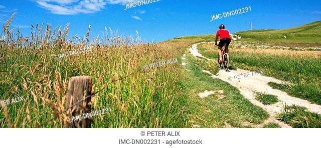 France, Pas-de-Calais, Cap Blanc Nez, riding moutain bike
