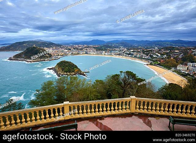 La Concha Bay, Igeldo Mountain, Donostia, San Sebastian, Gipuzkoa, Basque Country, Spain, Europe
