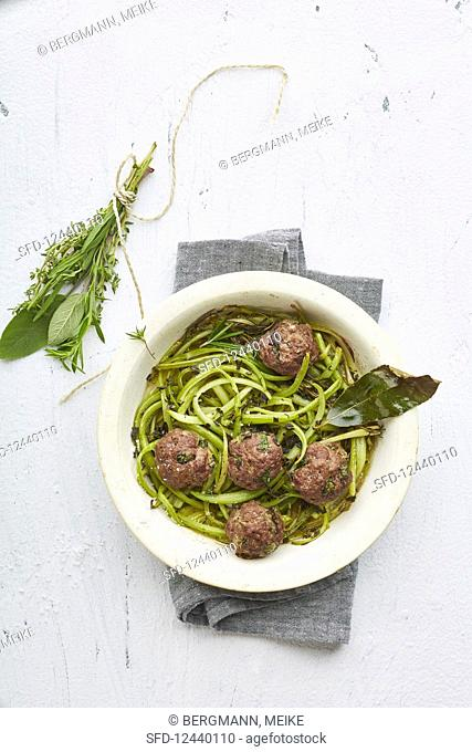 Celery noodles with meatballs (low carb)