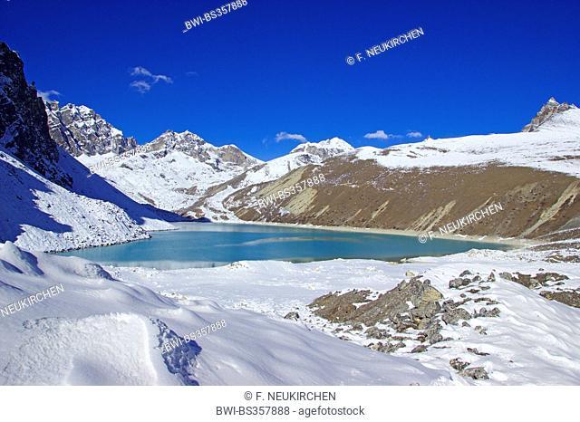 Thonak Tsho (so called 4. lake near Gokyo), Nepal, Himalaya, Khumbu Himal