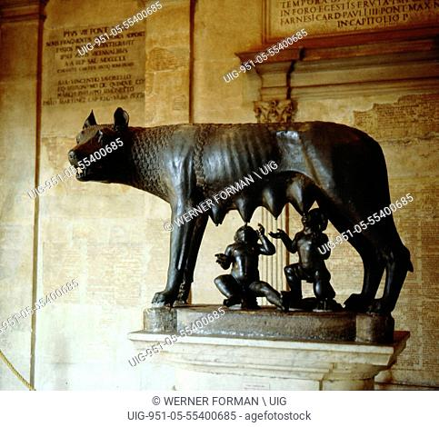 A statue of the she wolf of Rome