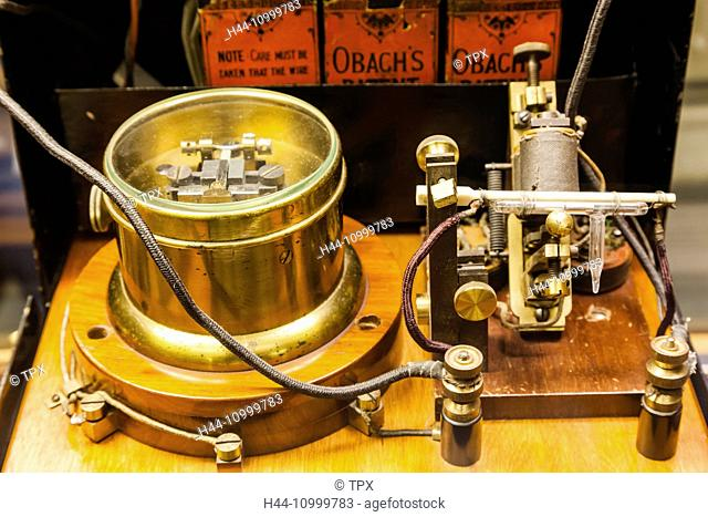 England, Oxfordshire, Oxford, Museum of the History of Science, Display of Marconi's Coherer Wireless Receiver dated 1896