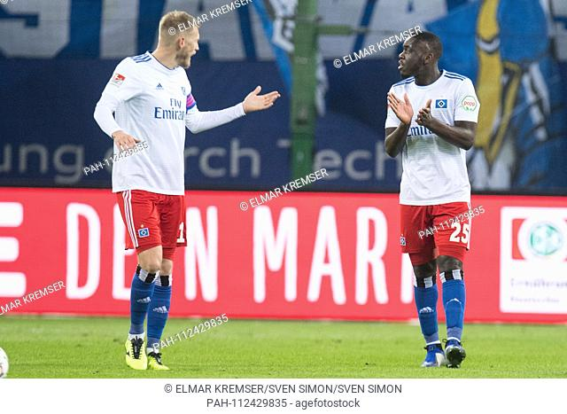 Aaron HUNT (left, HH) and Orel MANGALA (HH) are disappointed after the goal to 1: 0 for Union Berlin, disappointed, disappointment, disappointment, sad