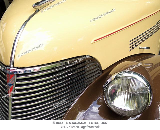 Late 1030's Chevrolet front end