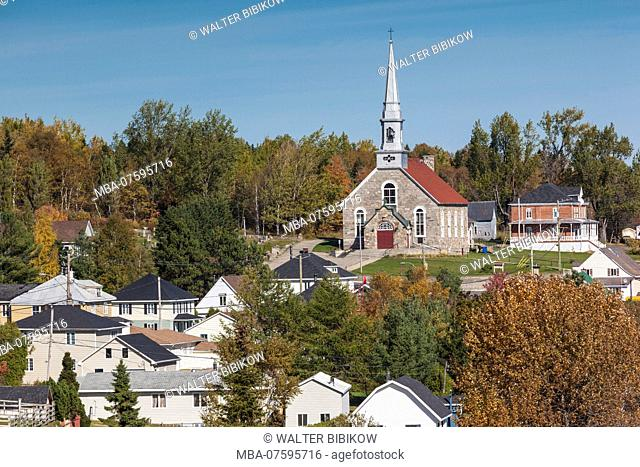 Canada, Quebec , Capitale-Nationale Region, Charlevoix, Saint-Fidele, elevated village view