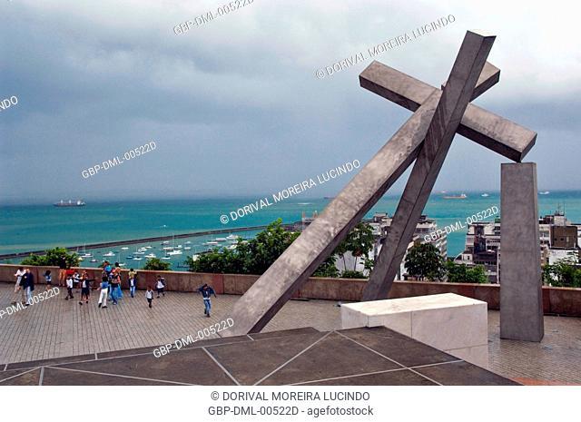 Cruz Caída Monument, Sé Square, Salvador, Bahia, Brazil