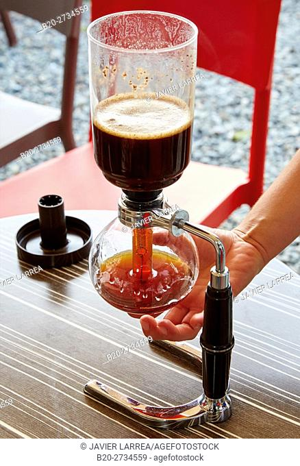 Coffee made with 'vacuum siphon', Cafetal, Coffee plantations, Coffee Cultural Landscape, Buenavista, Quindio, Colombia, South America