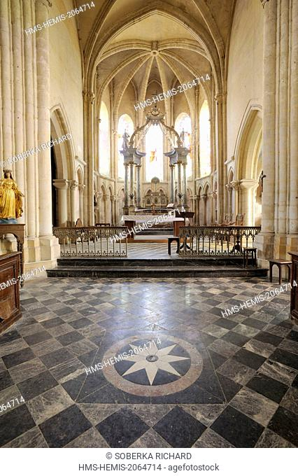France, Ardennes, Launois sur Vence, Saint Etienne church, central alley to the altar