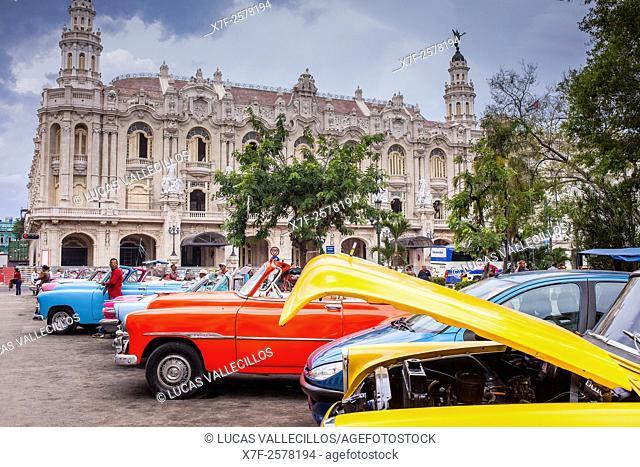 Street scene in Parque Central, in background . Theatre called Gran Teatro Garcia Lorca or Gran Teatro de La Habana , Centro Habana District, La Habana, Cuba