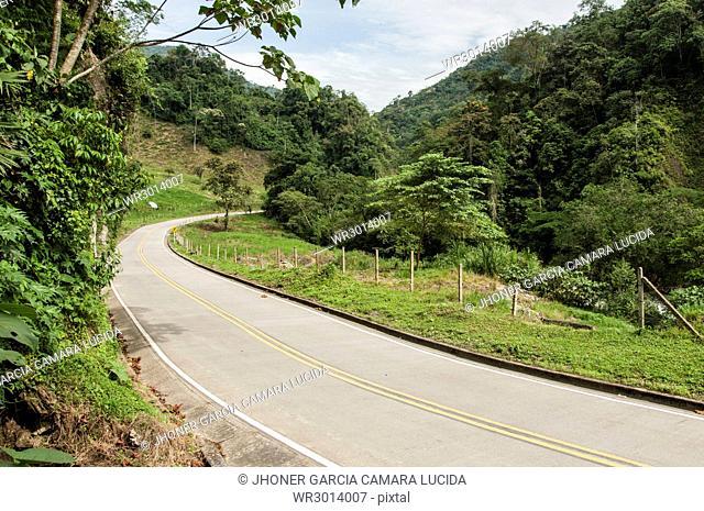 Via Pueblo Rico- Santa Cecilia, Risaralda, Colombia