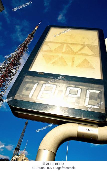 Street clock; television antenna; Dr. Arnaldo Avenue; Sao Paulo; SP; Brazil