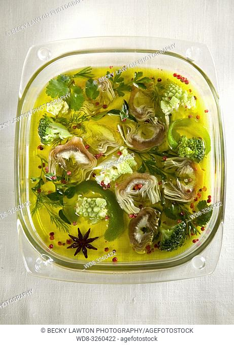 verduras marinadas: alcachofa, brocoli, col romanesco, esparrago, judias