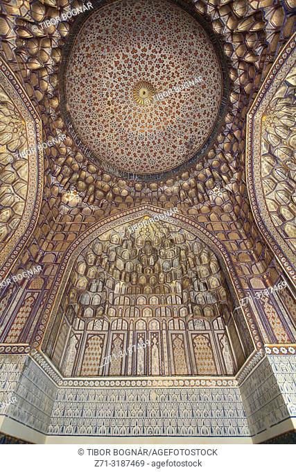 Uzbekistan, Samarkand, Shah-i-Zinda, necropolis, Tuman Oko mausoleum, interior,