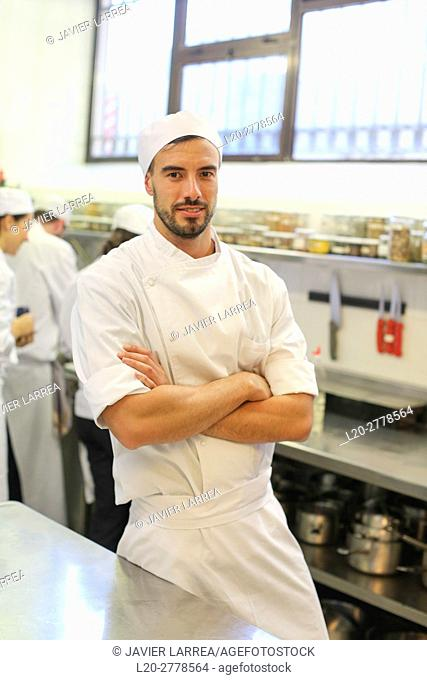 Chef, Cook in cooking school, Cuisine School, Donostia, San Sebastian, Gipuzkoa, Basque Country, Spain, Europe