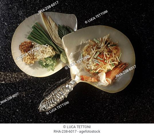 Thai style noodles Quittieaw Pat Thai, rice noodles with shrimps, peanuts, lime and, chilli, a popular Thai dish, Thailand, Southeast Asia, Asia