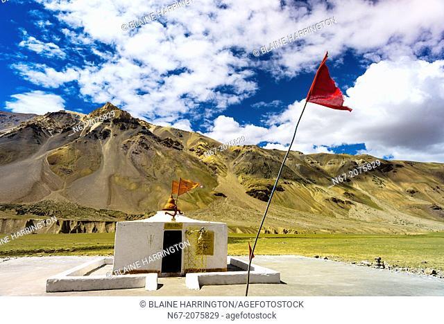 A Shiva Temple at Sarchu (at 14, 432 feet) along the so-called Leh-Menali Highway is between the Baralacha La and Lachulung La Passes
