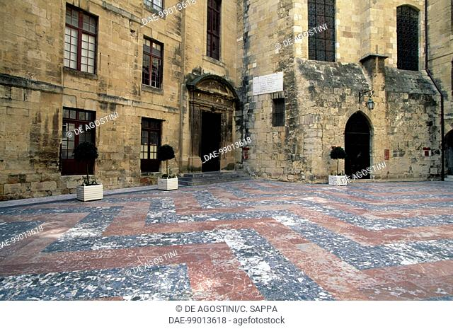 Courtyard, Archbishop's palace (New palace), Narbonne, Languedoc-Roussillon. France, 14th century