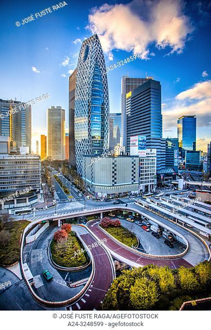 Japan, Tokyo City. Shinjuku Ward, Shinjuku Station west side, Cocoon Tower