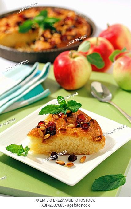 Apple tart with cranberries