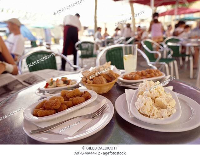 A selection of tapas, Placa Major