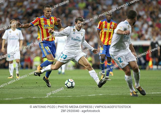 Kovacic fouled by Rodrigo. LaLiga Santander matchday 2 between Real Madrid and Valencia. The final score was 2-2, Marco Asensio scored twice for Real Madrid