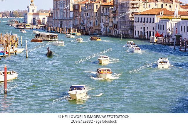 Rush hour on the grand canal, Venice, Veneto, Italy, Europe