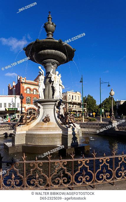 Australia, Victoria, VIC, Bendigo, Alexandra Fountain, morning