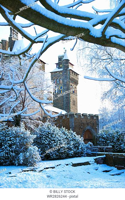 Cardiff Castle, Bute Park in snow, Cardiff, Wales, United Kingdom, Europe