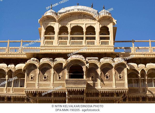 Sandstone carved window Sonar fort Jaisalmer Rajasthan India Asia