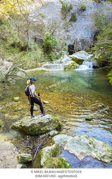 Ruta del Desfiladero del Rio Puron entre Herran (Burgos) y Lalastra (Parque Natural de Valderejo, Alava)
