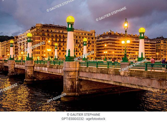 LA ZURRIOLA BRIDGE, SAN SEBASTIAN, DONOSTIA, BASQUE COUNTRY, SPAIN