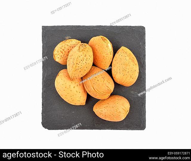 Mandeln auf Schiefer isoliert - Almonds on shale isolated