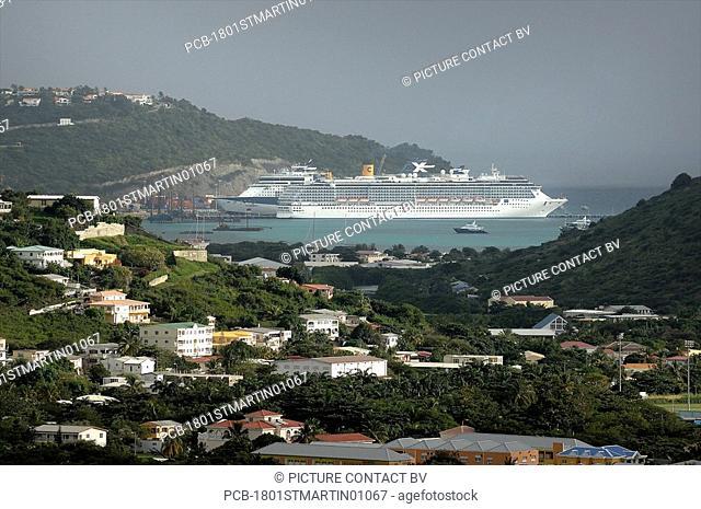 Sint Maarten, a Cruise ship in the Bay of Philipsburg
