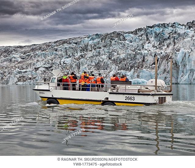 Amphibious boats with tourists, Jokulsarlon Glacial Lagoon, Breidamerkurjokull glacier, Vatnajokull Ice Cap, Iceland