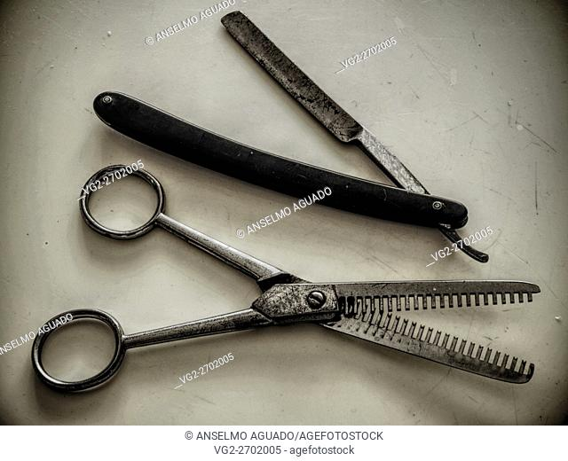 very old but alive hairdressing tools